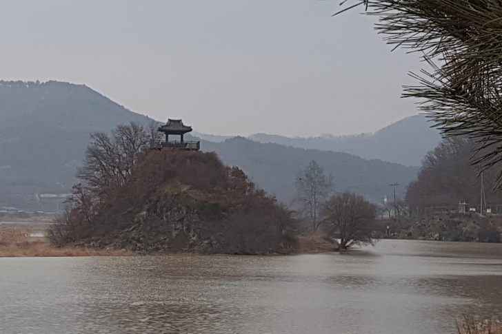 보청천이라는 곳 정자(상춘정)